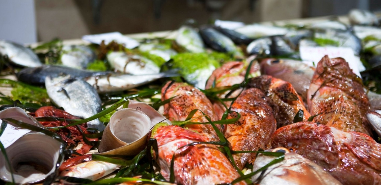 Küche aus Sardinien und lokale Produkte