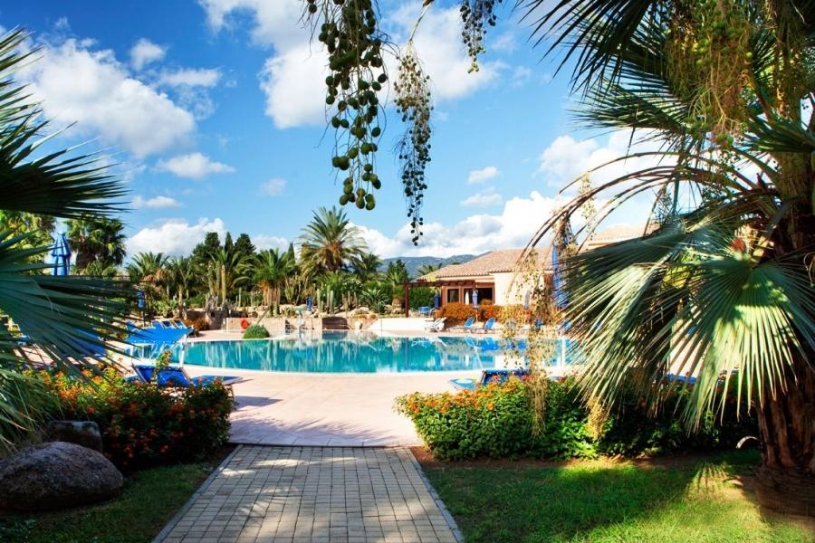 Urlaub-for-Familien-the-Strand-in-Sardegna.jpg